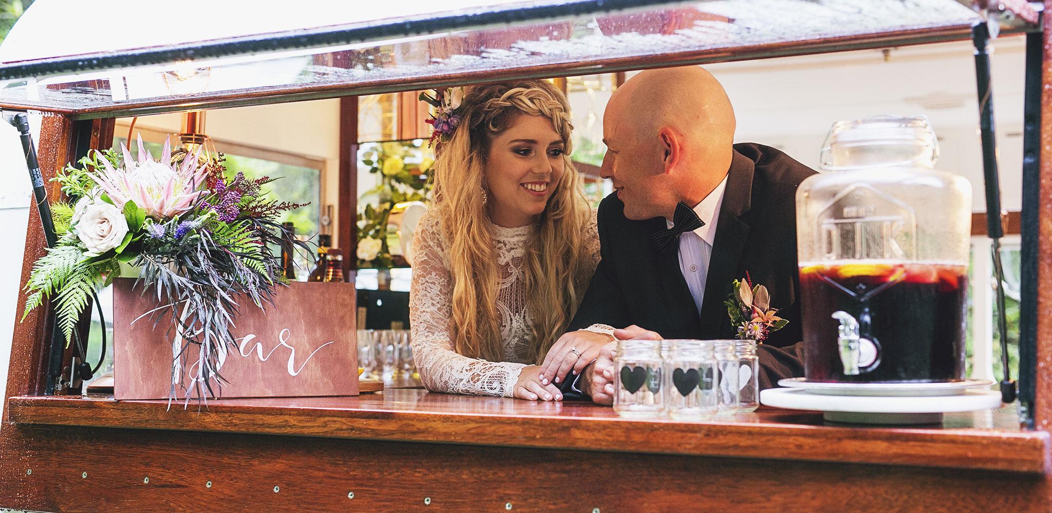 wedding-bride-groom-bar-caravan