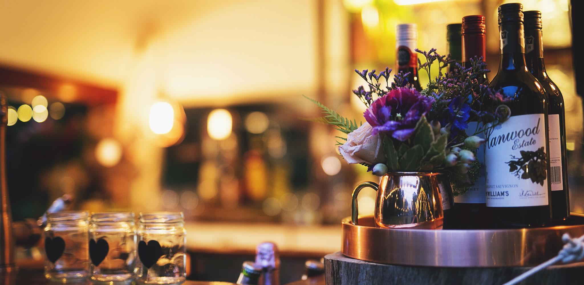 wine-glass-wedding-bar